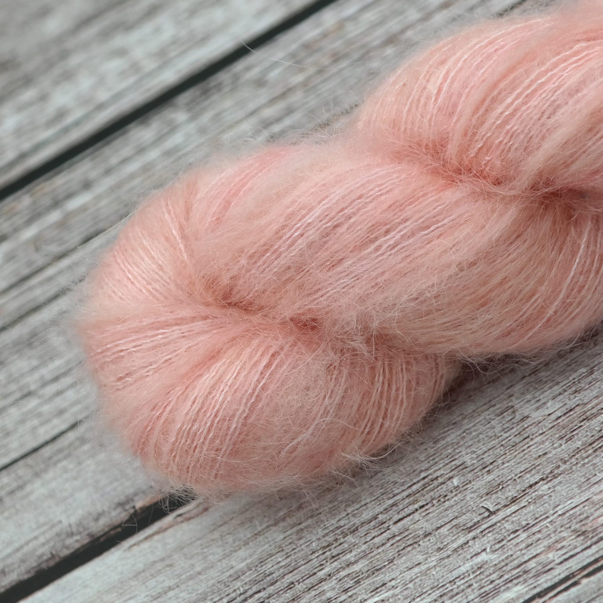 Venez découvrir le coloris « Sunset Lover » sur notre base SuperKid Silk Lace | Laine teinte à la main en France
